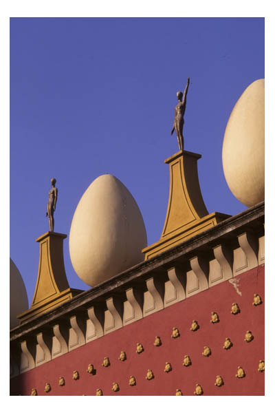Eggs atop Dali Theater-Museum, 1974, Figueres, Spain, in the Costa Brava